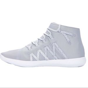 NWOT Under Armour Street Precision Mid Trainer